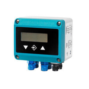 differential pressure transmitter with a digital display